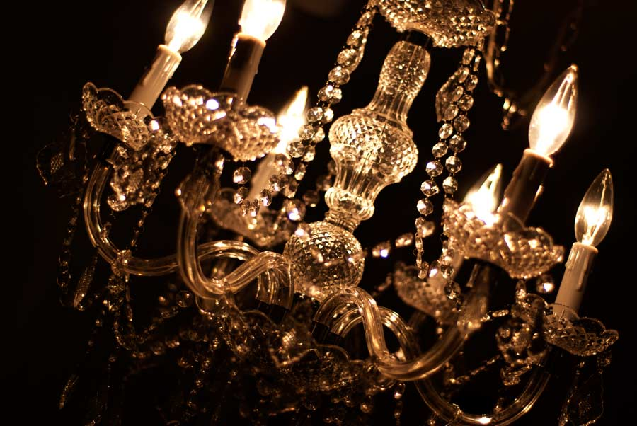 Chandeliers for Rent - How gorgeous is that. These chandeliers are ambiance changing and can help op